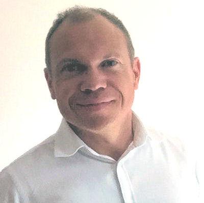 Jean-Luc de l'équipe des audioprothésistes du centre auditif Minitone à Nîmes.